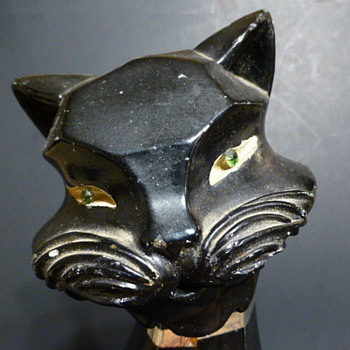 Universal Statuary Corporation chalkware cat - Figurines