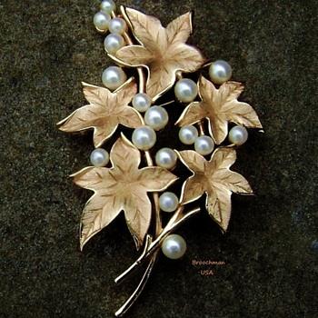 Crown Trifari pearl leaf brooch - Costume Jewelry
