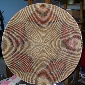 Yavapai Apache or Navajo /Ute feast basket. - Native American