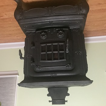 Cast Iron Wood Stove - No Manufacturer Info?