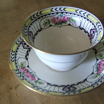 Shelley china set - China and Dinnerware