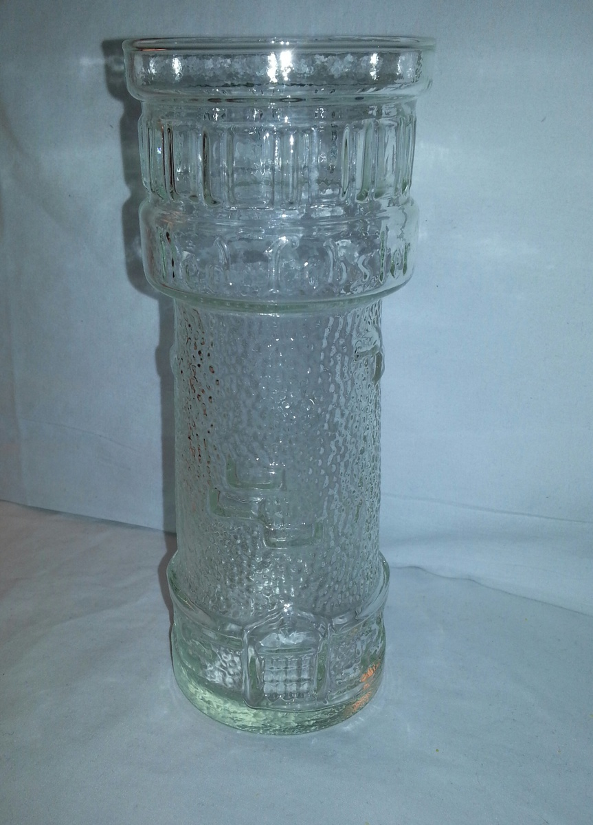 RED LOBSTER LIGHTHOUSE VINTAGE COLLECTIBLE GLASSES