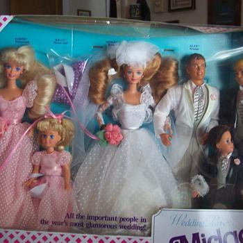 Midge's Wedding Party Gift Set (Barbie's best friend)