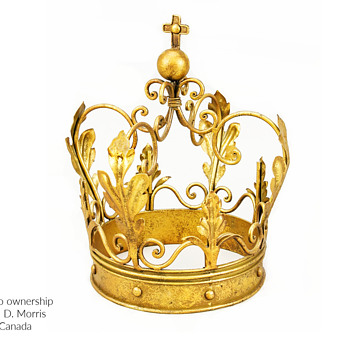 Early 20th Century Wrought Iron Crown With Orb & Cross - Accessories