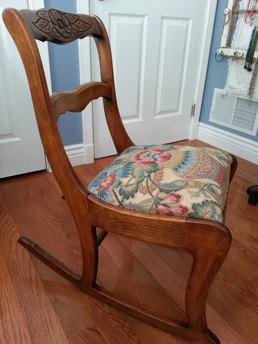 Duncan Phyfe Or Tell City Antique Rocking Chair