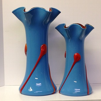 Blue vases with orange pulls - Art Glass