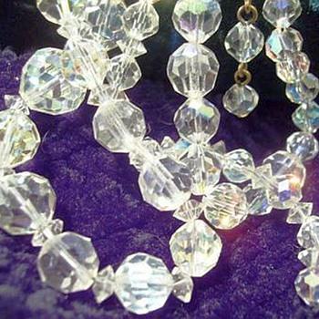 Vintage AURORA BOREALIS  - Necklace  ( # 1 ) - Costume Jewelry