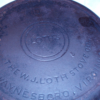 W.J. LOTH #10 SKILLET - Kitchen