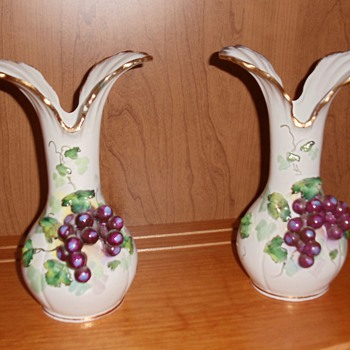 Very old vases - Pottery