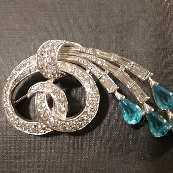 Boucher swirl brooch  - Costume Jewelry