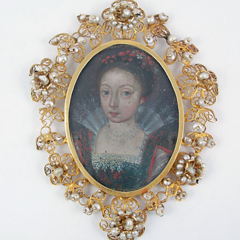 Portrait miniature of young noblewoman - Fine Jewelry