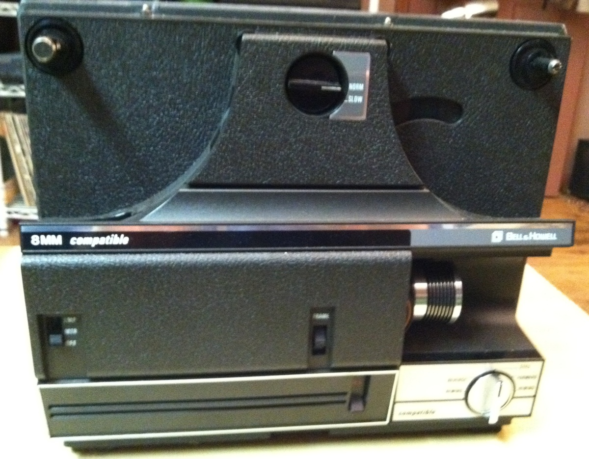 Bell & Howell Autoload 8mm/Super-8 Projector | Collectors Weekly