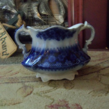 Vintage sugar bowl - China and Dinnerware
