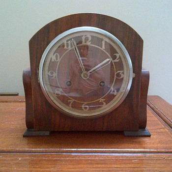 Old Clock made in England. - Clocks