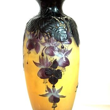 "tall mold blown gallé cameo vase ""fuchsias pattern""  circa 1914. - Art Glass"