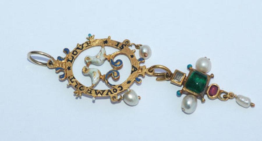 Love Token Pendant -- mid 17th century | Collectors Weekly