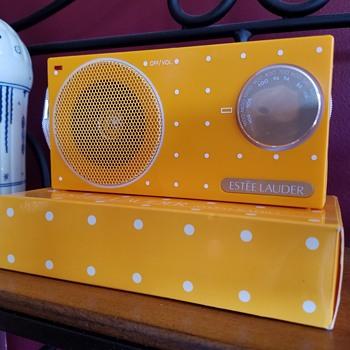 Transistor Radio Estee Laudee Gift RARE 1987-1990 - Radios