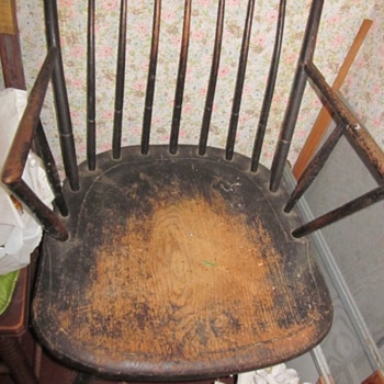 Windsor chair identification please - Furniture