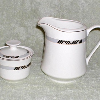 Schmidt Porcelana Pitcher & Sugar Bowl - China and Dinnerware