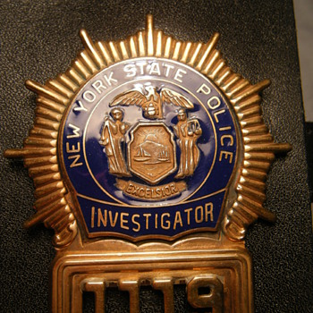 VINTAGE NY STATE POLICE INVESTIGATOR SHIELD - Medals Pins and Badges