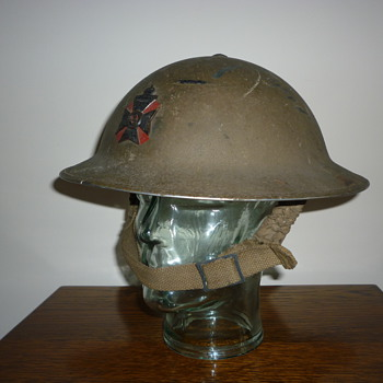 British WWII Officers steel helmet, KRRC (King's Royal Rifle Corps)