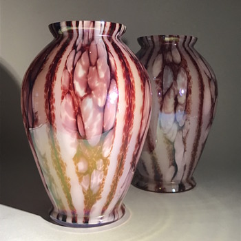 Kralik Iris Stripes and Bubbles - Art Glass