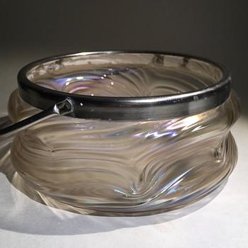 Iridiscent glassbowl art noveau - Art Glass