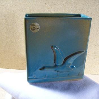 Frankoma 60B - Flying Goose Pillow Vase