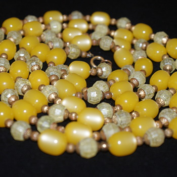 A Friend for valentino's/Mary's Yellow Beads Necklace - Costume Jewelry