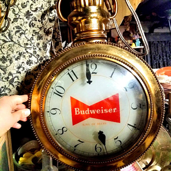 Queen Elizabeth Budweiser Pocket Watch Clock - Anyone know about this? Can't find info. - Breweriana