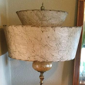 Mid century atomic fiber glass shade lamp - Mid-Century Modern
