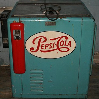 Vintage Pepsi Machine - Advertising