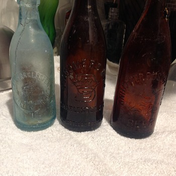 Antique Annheuser Busch beer bottle - Bottles