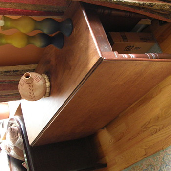 "Mahogany Drop Leaf  Table 28"" high - Furniture"