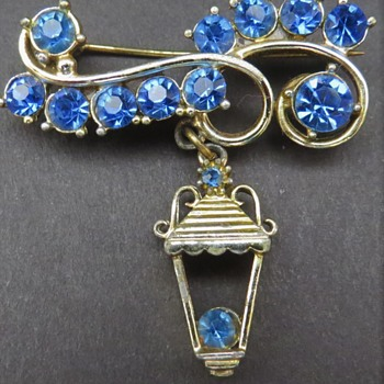 Costume Lantern Brooch - Costume Jewelry