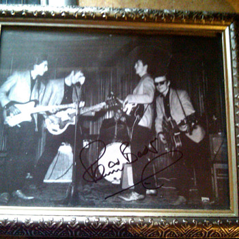 Can anyone tell me about this photo? - Music Memorabilia