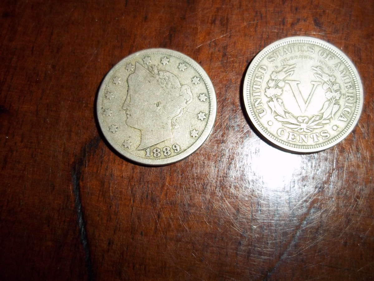 One Circulated Liberty Head V Nickel    Assorted Dates  1883 to 1912   #LHNA G