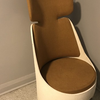 1968 Electrohome chair. - Furniture