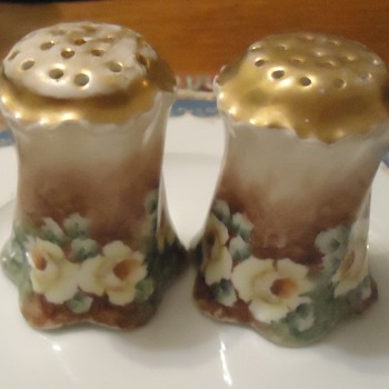 Salt and Pepper  Bavaria, artist signed?! - Kitchen