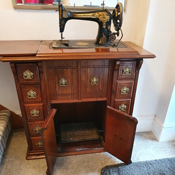 Great Grandma's sewing Machine  - Sewing