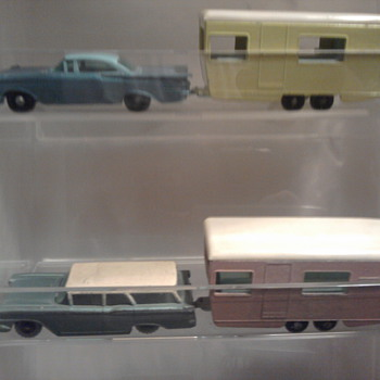 Unusual finds.  The service station is actually hard card board w/Art Deco styling! - Model Cars