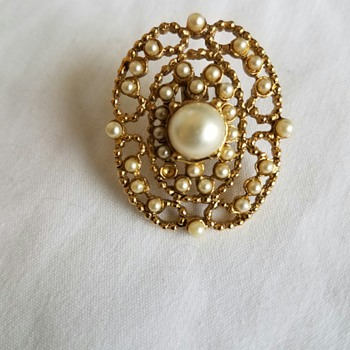 Vintage Costume Gold colored with seed or faux pearl pin - Costume Jewelry