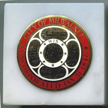 Milwaukee Seal Paper Weights - Advertising