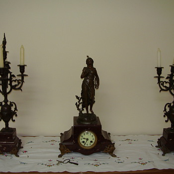 Very old clock - Clocks