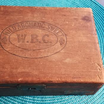 WB Chase Cigar box - Tobacciana