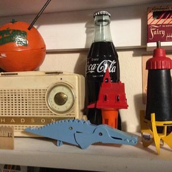 Hanson is a Radio  - Toys