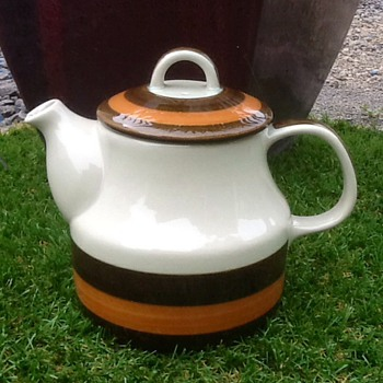 Rorstrand Annika teapot  - Mid-Century Modern