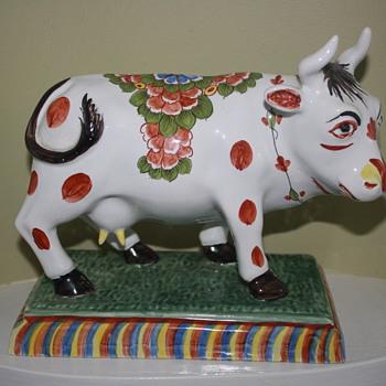 Italian handpainted bull cow  - Pottery