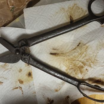 I need help identifying this flea market find - Tools and Hardware