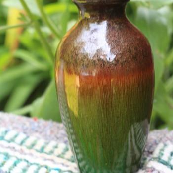 Vase... - Pottery
